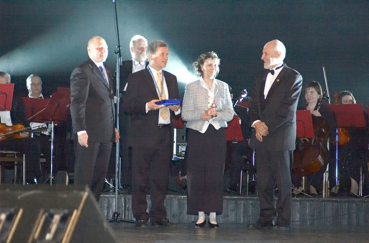 Awards for Karin Pirc MD and Lothar Pirc