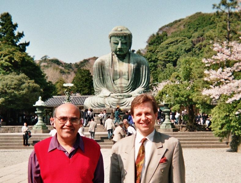 Lothar Pirc und Dr. Sharma